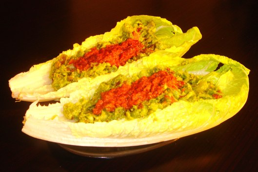 Guacamole Lettuce Wrap with Sun Dried Tomatoes
